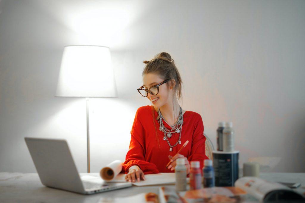 Простой способ, чтобы избавиться от боли в спине при сидячей работе