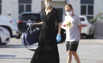 Даже летом в черном цвете: Анджелину Джоли сфотографировали с дочкой Вивьен