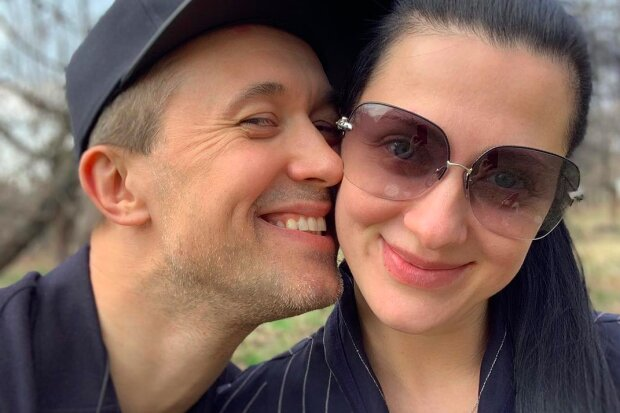Сергей Бабкин невероятно поэтично поздравил жену с Днем рождения