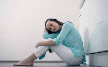 Как распознать инсульт: первые признаки и что делать
