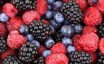 Топ-5 самых полезных летних ягод для похудения: и какие фрукты стоит исключить из рациона