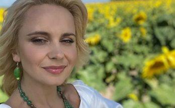 Лилия Ребрик позировала в подсолнухах, покорив поклонников летним образом