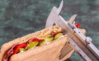 Даже не вздумайте пробовать это на себе: специалисты назвали 5 самых опасных для здоровья диет