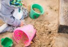 Песочная терапия: что это и почему так полезно для здоровья рассказал доктор Комаровский