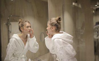 Дерматолог советует: как сузить расширенные поры