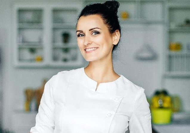 Лиза Глинская поделилась легким и вкусным рецептом блинов из кабачков