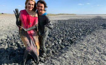 Все в грязи, но такие счастливые: Ольга Сумская с супругом отдохнули в Херсонской области