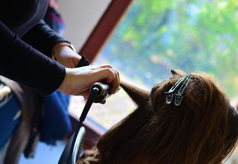 Эксперты назвали шесть признаков старения кожи головы и волос