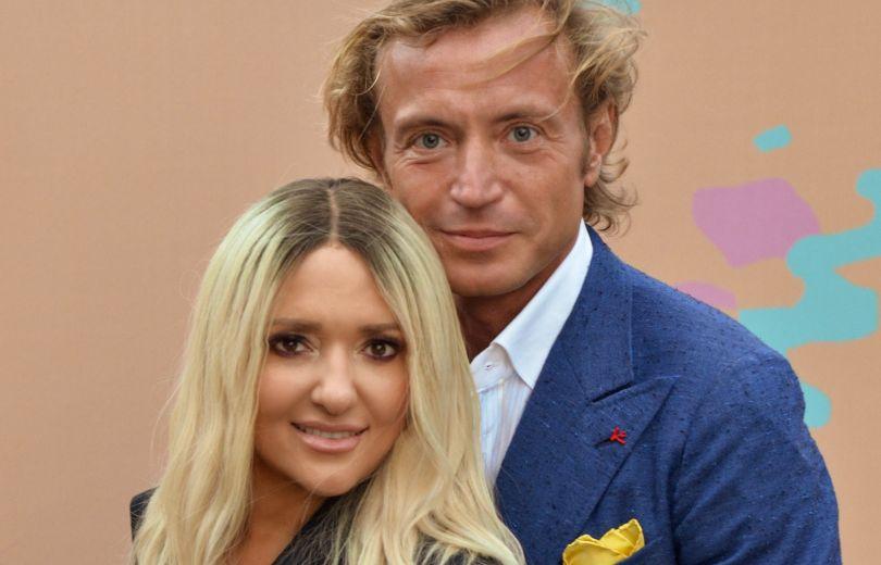 Наталья Могилевская вышла в свет в паре с известным богачом