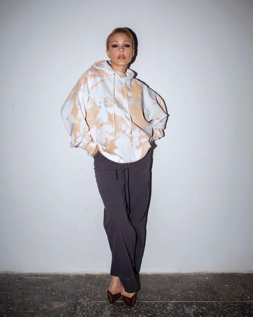 Тина Кароль приняла участие в создании образов совместно с брендом Dream team