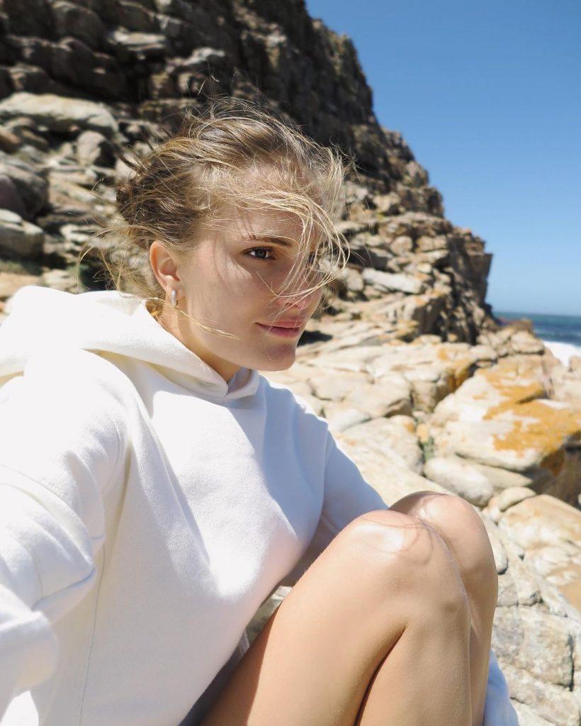 Алла Костромичева рассказала о влиянии работы на ее стиль