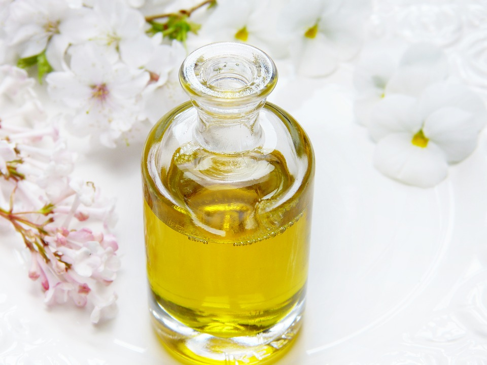 Какие натуральные масла эффективны для увлажнения и питания кожи