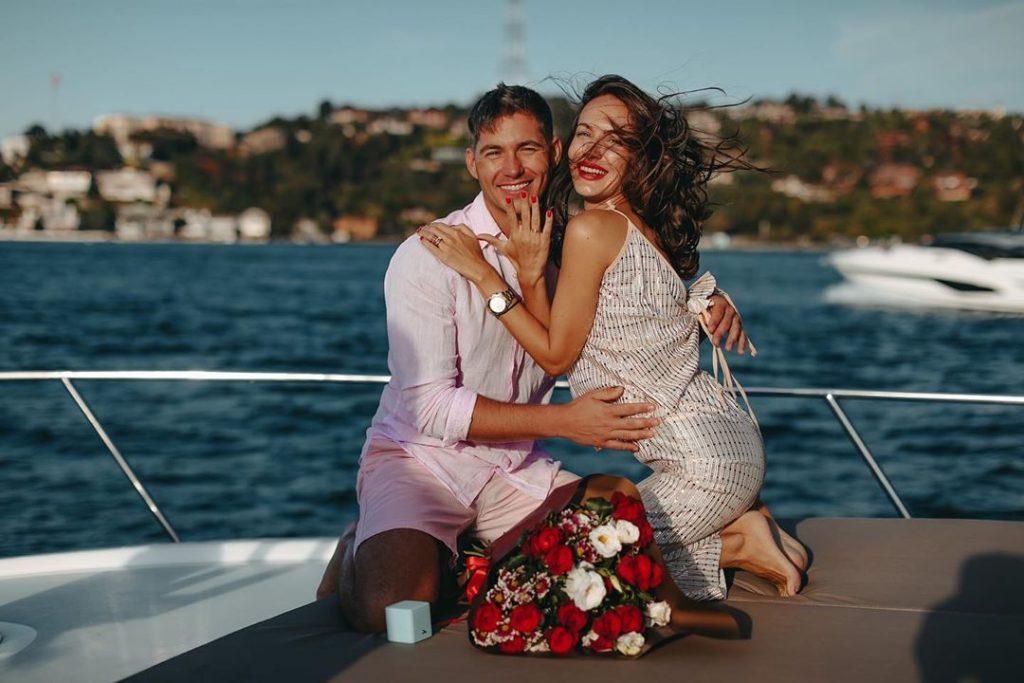 Невеста Владимира Остапчука удивила поклонников заявлением о пополнении