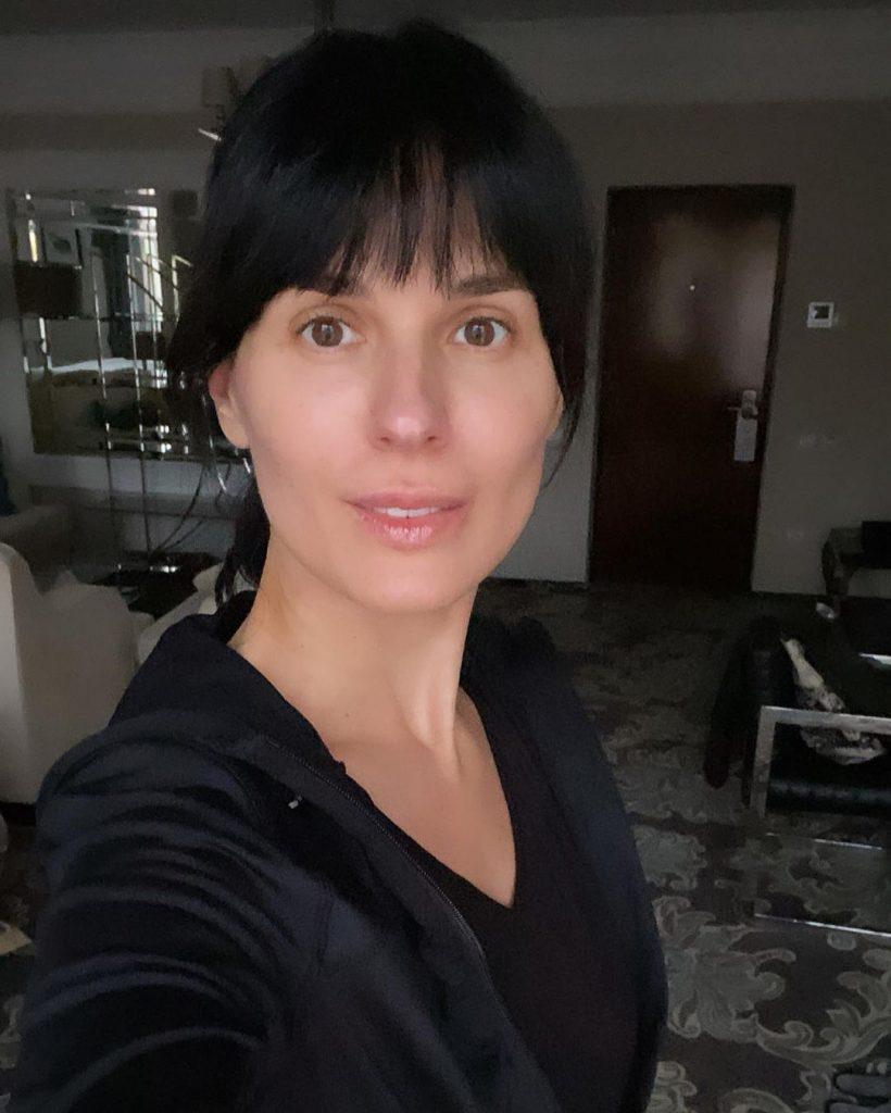 Маша Ефросинина прогулялась по Киеву в брюках от GUCCI