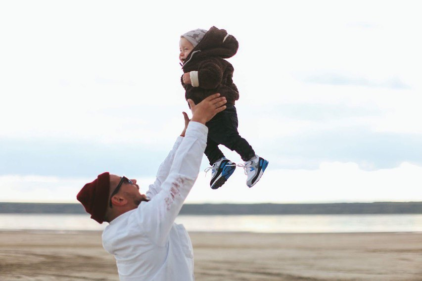 Дмитрий и Ирина Монатик поздравили сына с днем рождения, показав фото с роддома