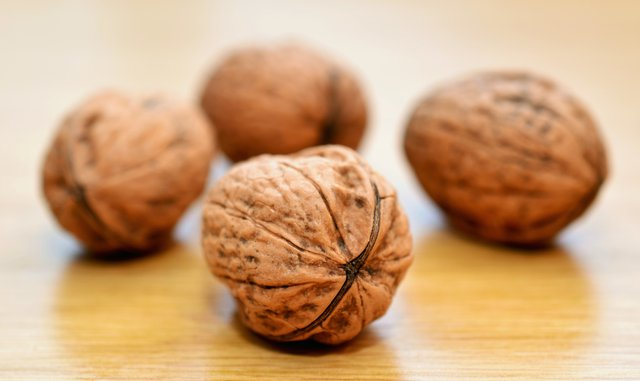 Ученые назвали самый полезный орех для желудка