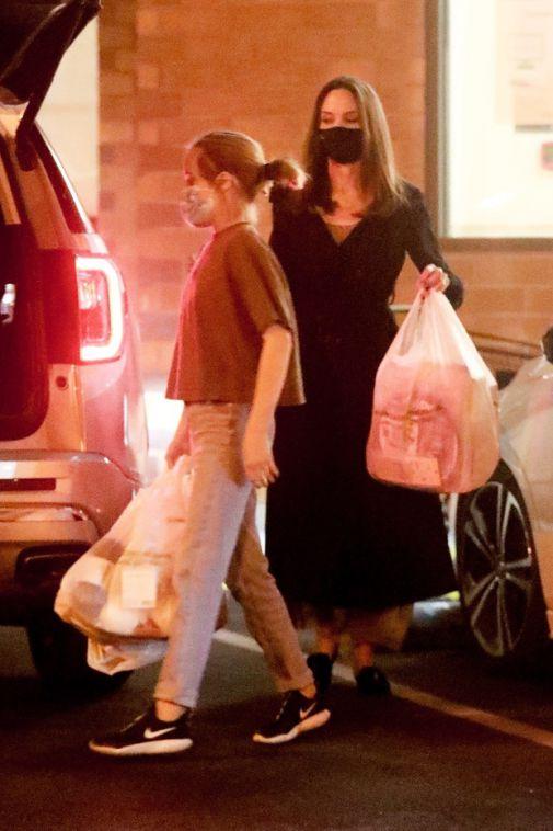 Анджелина Джоли с дочкой: как выглядит актриса на новых фото