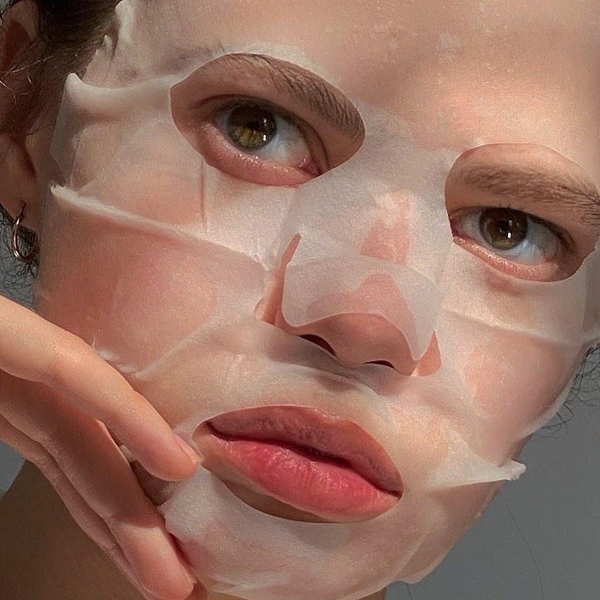 три самых эффективных омолаживающих маски для лица в домашних условиях