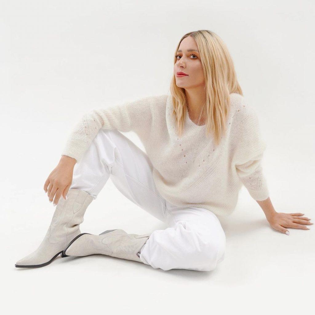 Наталья Могилевская привела в восторг поклонников новым образом total white