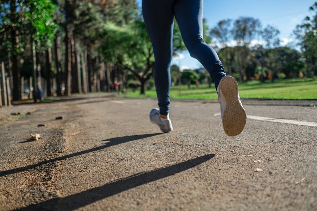 не занимайтесь этими видами спорта, если у вас проблемы с коленями
