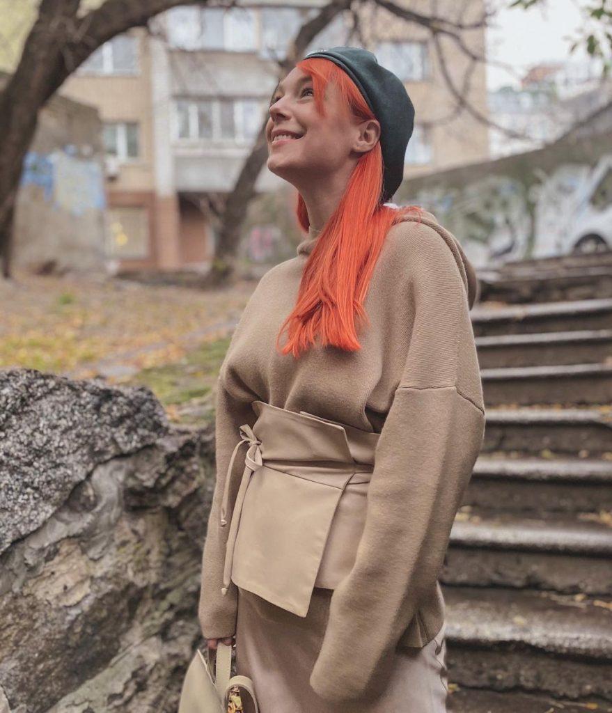 Светлана Тарабарова показала роскошный осенний образ
