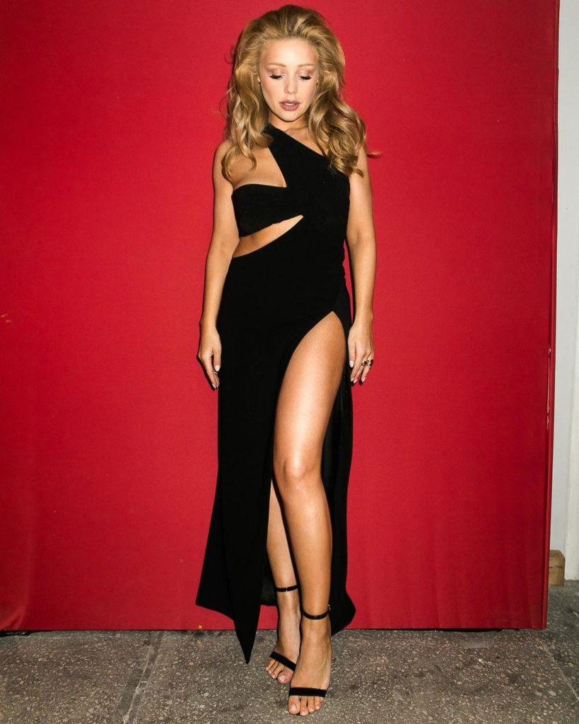 Тина Кароль vs Дженнифер Лопес в вечернем наряде от модного дома Mônot