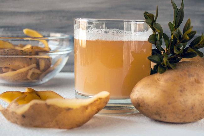 Картофельный сок помогает лечить гастрит и язву
