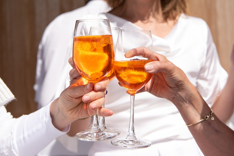 время суток, когда стоит отказаться от спиртных напитков