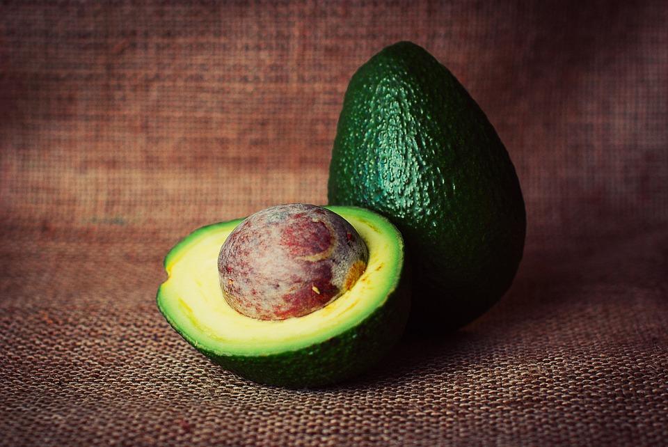 Авокадо снимает воспаления, омолаживает, помогает похудеть и поднимает настроение