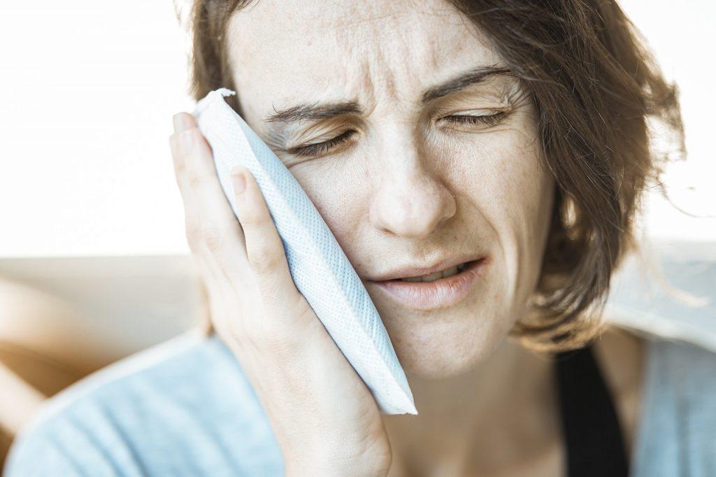топ-7 народных методов облегчить зубную боль, без таблеток