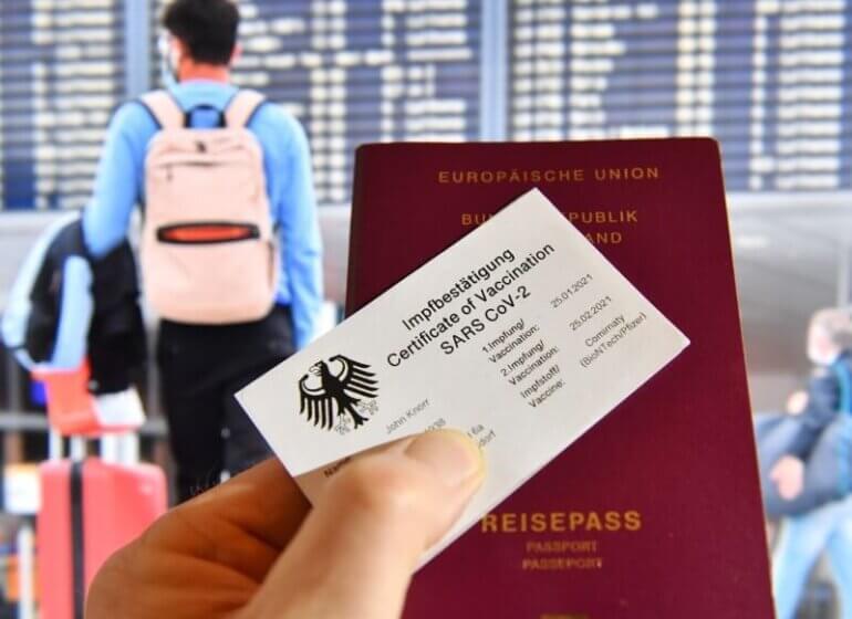 когда введут иммунные паспорта и что туда будет входить