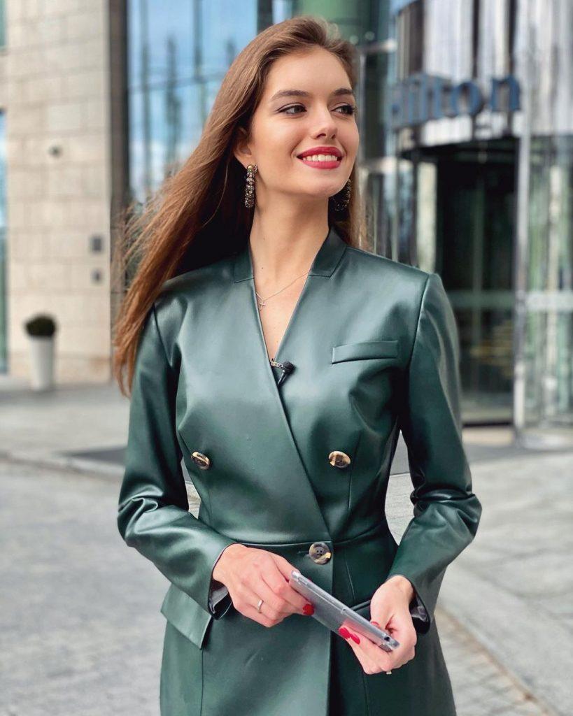 Александра Кучеренко очаровала поклонников стильным образом