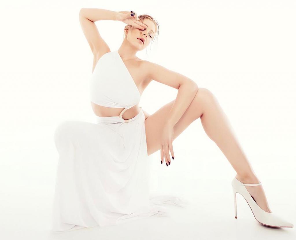 поклонники раскритиковали странные танцы Тины Кароль под ее новую песню