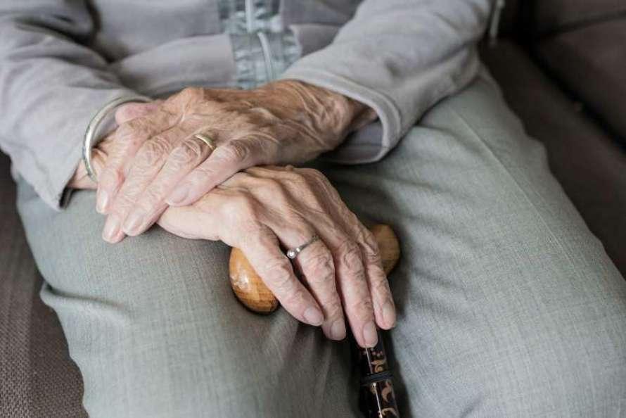 какие признаки указывают на раннюю стадию болезни Паркинсона