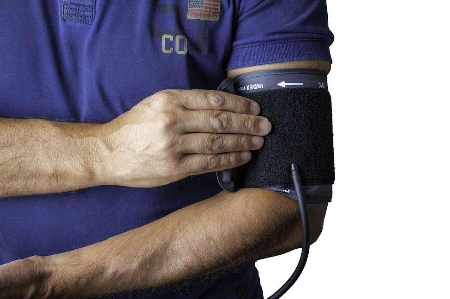 Медики рассказали о способе понижения давления