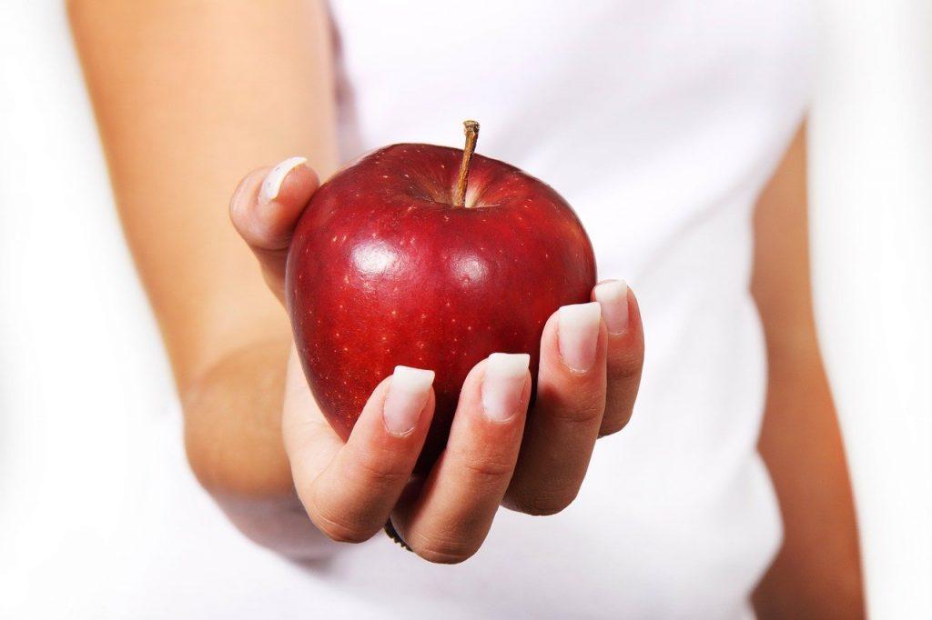 диетологи назвали продукты, которые помогут избавиться от лишних килограммов
