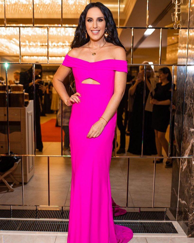 похудевшая Джамала в ярком платье в пол посетила светское мероприятие