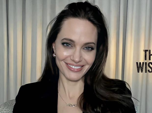 обворожительная Анджелина Джоли появилась на публике