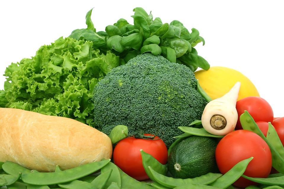 Врачи назвали продукты, которые способны выводить из организма канцерогены