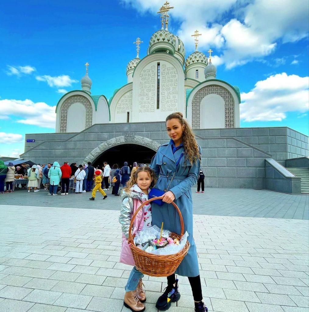 Яна Соломко показала подросшую дочку