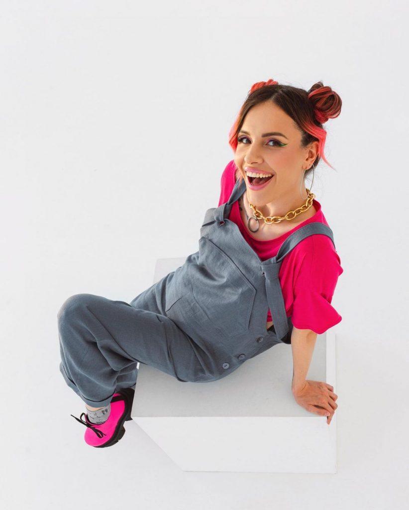 Беременная MamaRika выпустила коллекцию одежды для будущих мам