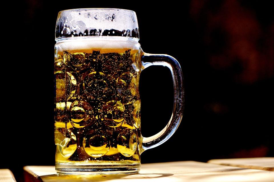 Врач рассказал о последствиях для организма большого количества пива