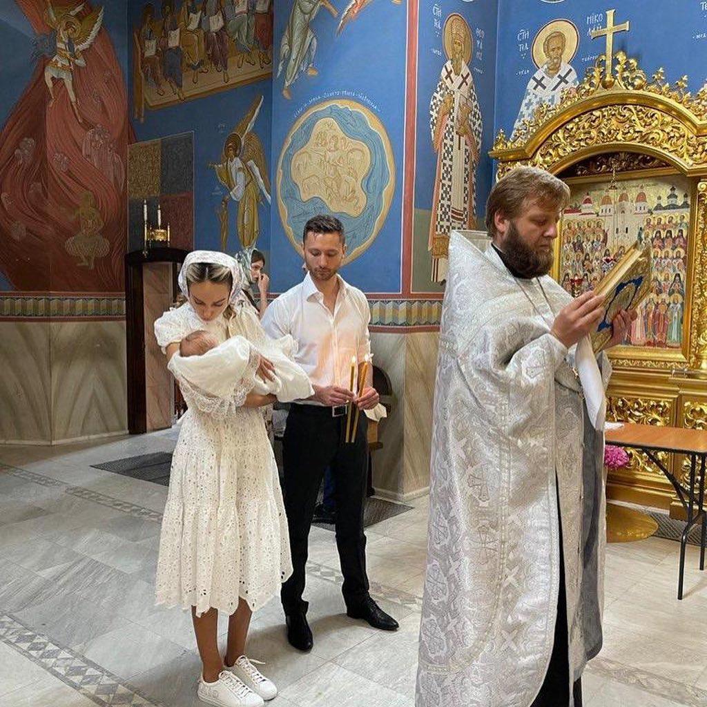 Макс Михайлюк и Даша Хлыстун крестили дочь