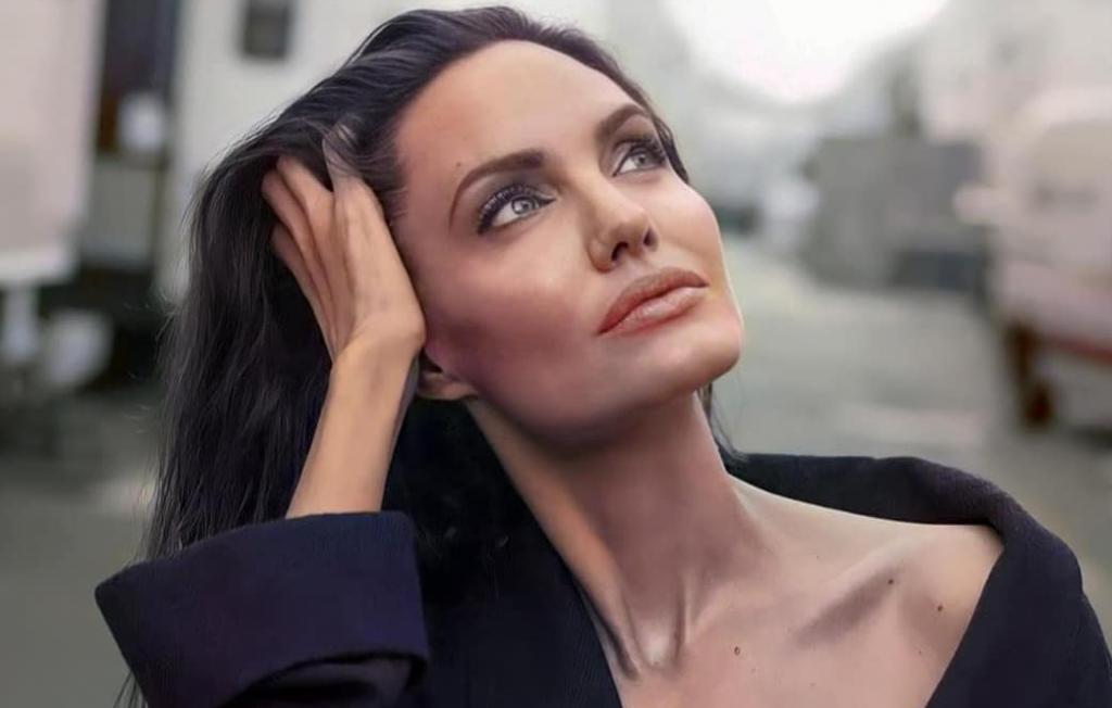 на второе свидание к бывшему Анджелина Джоли примерила черное платье