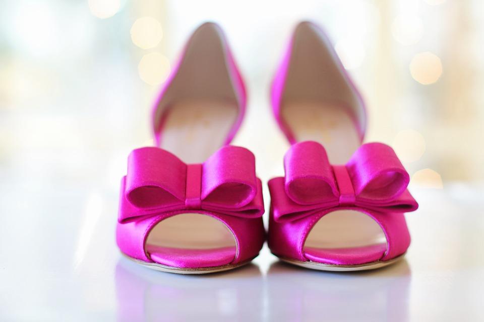 Способы, как носить новую обувь, чтобы она не тёрла ноги