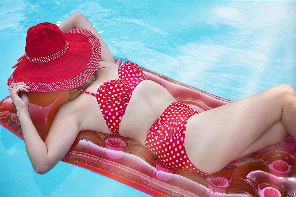 4 вещи, которые обязательно нужно с ним делать с купальником, чтобы продлить ему жизнь