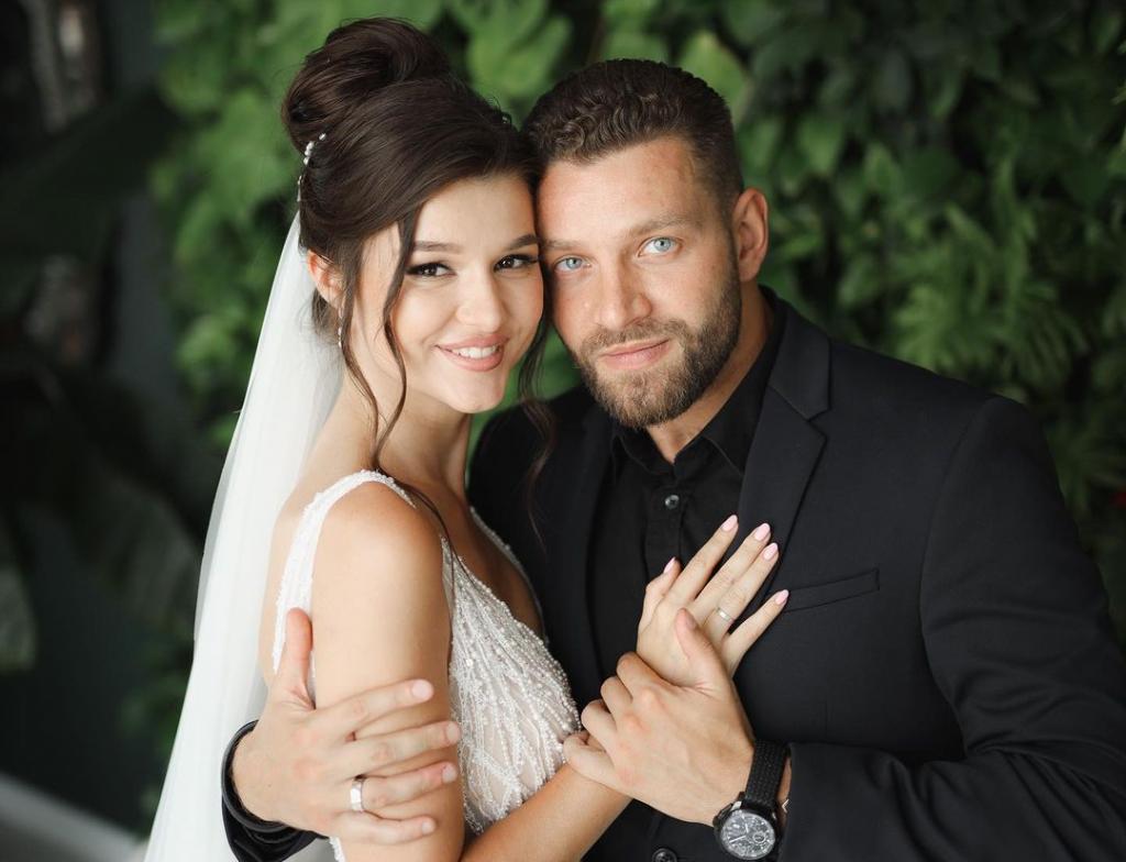 Юлия Зайка из «Холостяк-11» вышла замуж за украинского ведущего, фото и видео со свадьбы уже в сети