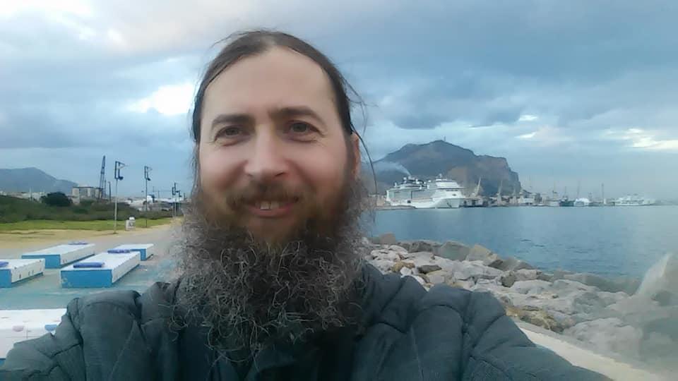 48-летний сын Нины Матвиенко служит монахом и пишет иконы