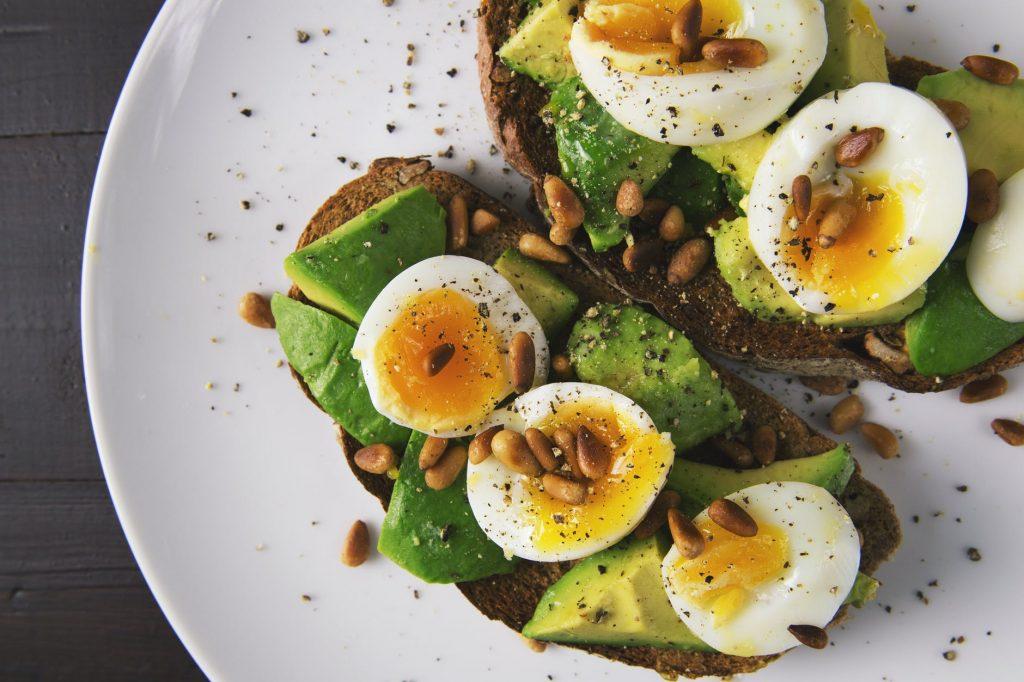 Эта диета поможет быстрее сжигать жир во время тренировок