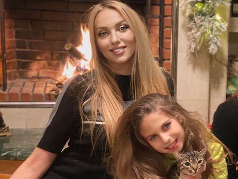 10-летнюю дочку Оли Поляковой покусал кот